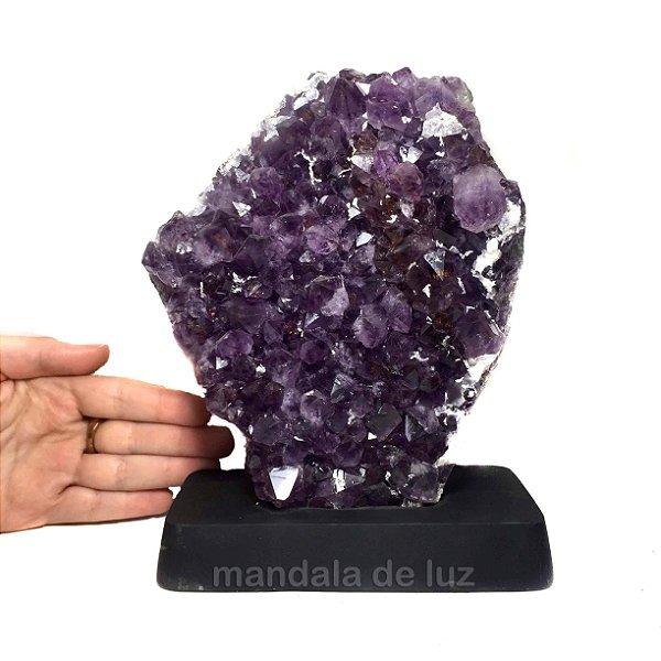 Drusa de Cristal Ametista com Base de Madeira 1,8kg