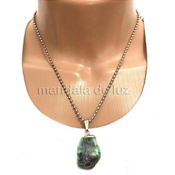 Colar Prateado de Pedra de Esmeralda