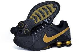 Tênis Nike Shox Junior - Preto Com Dourado