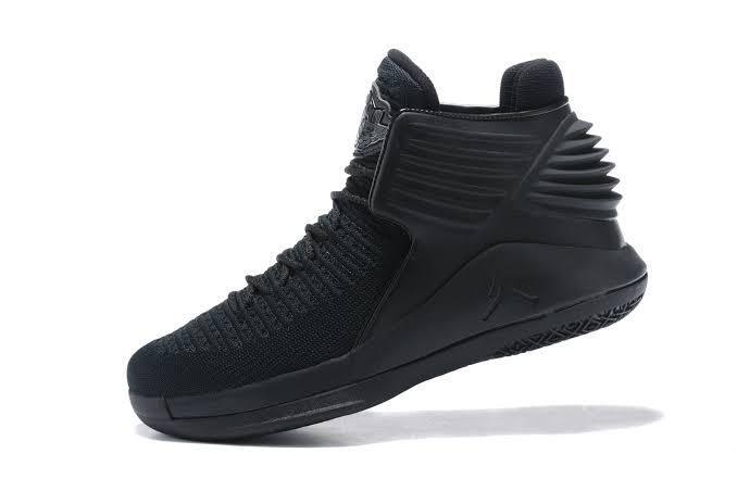 Tênis Air Jordan XXXII Mid Masculino- Preto
