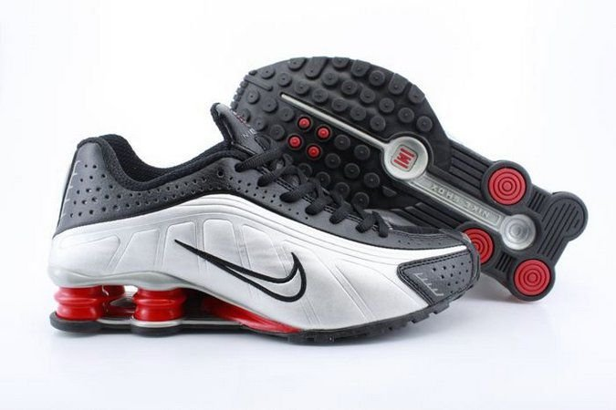 Tênis Nike Shox R4 2020-Cinza com Preto Masculino
