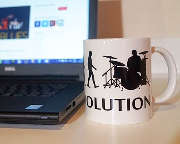 Caneca This Is Evolution