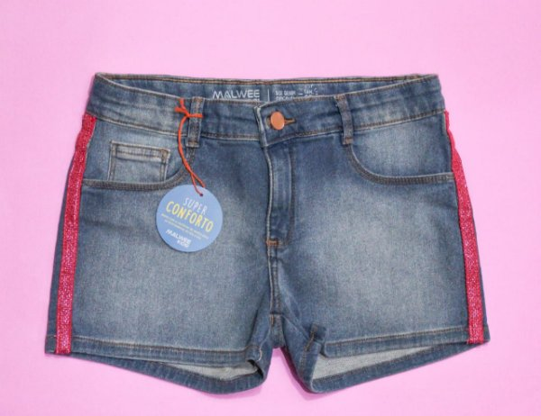 Short jeans com detalhe rosa