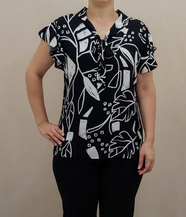 Blusa estampada preto e branca