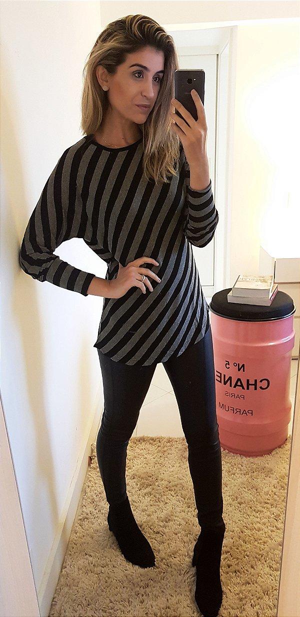 Blusa malha bicolor manga longa
