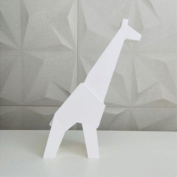 Girafa low poly em pé