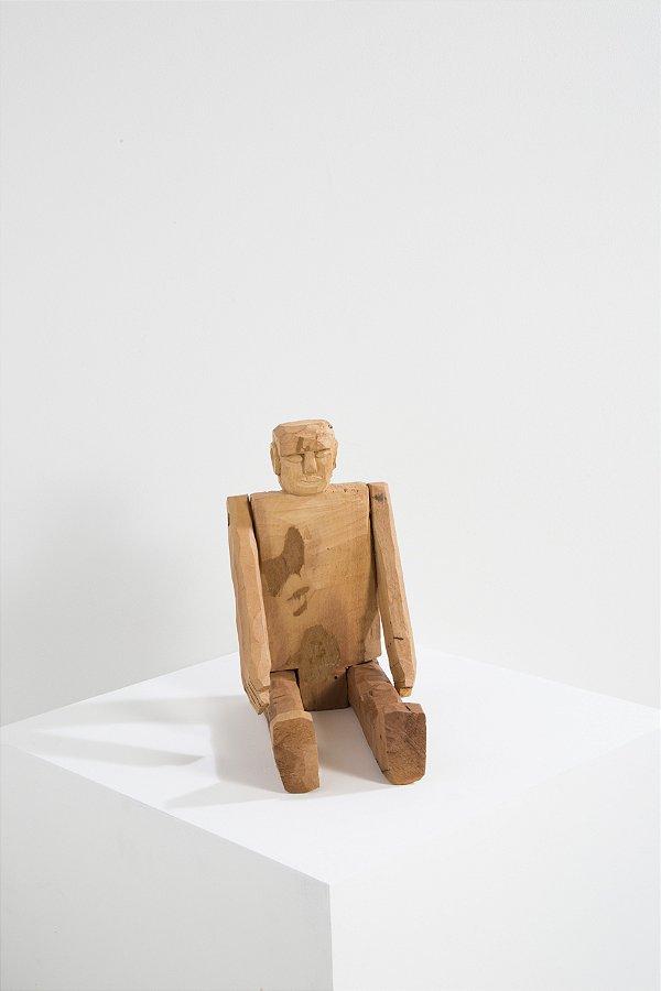 boneco de madeira benício P
