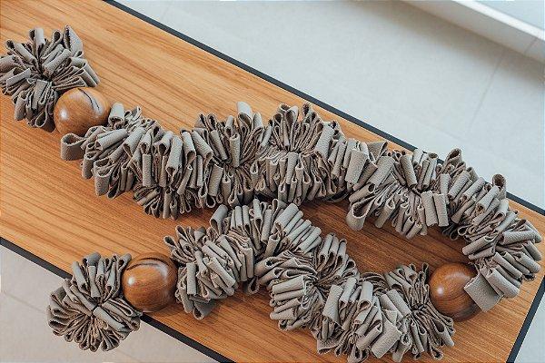 Colar Decorativo - Couro e Madeira Imbuia