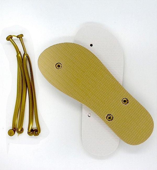 Chinelo Borracha Sublimático Modelo Tira Slim Dourada e Sola Bege Adulto 35/36 Embalado a Vácuo não Suja ou Amarela (JD8030) - 01 Unidade