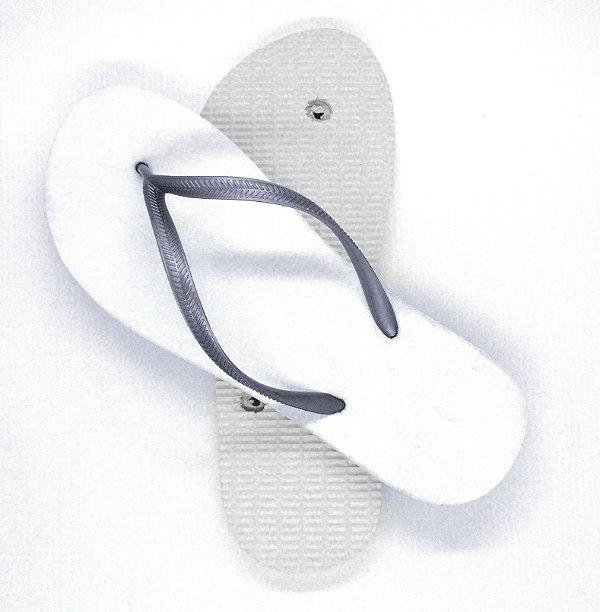 Chinelo Borracha Sublimático Modelo Tira Slim Prateado e Sola Branca Adulto 39/40 Embalado a Vácuo não Suja ou Amarela (JD8050) - 01 Unidade