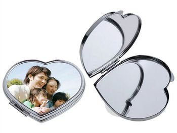 Espelho Estojo em Metal Sublimático de Bolso Compacto Modelo Coração 6,5 x 5,9cm em Metal para Sublimação (2387)