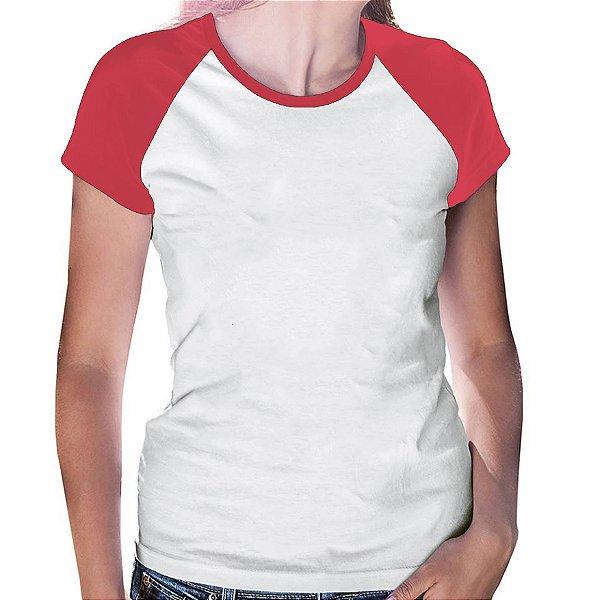 Camiseta Feminina Gola Redonda Baby Look Manga Modelo Raglan Vermelha com Corpo Branco 100% Poliéster para Sublimação - 01 Unidade