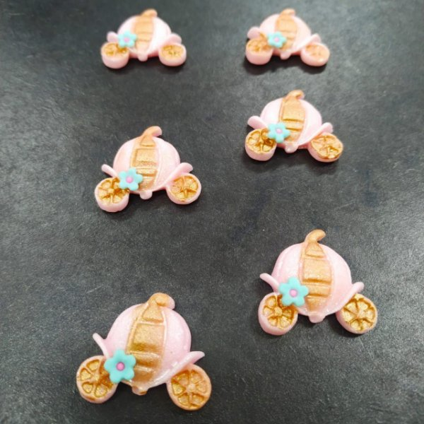 Confeitos Comestíveis Carruagem da Cinderela M - Flores e Encantos de Açúcar - Rizzo Confeitaria