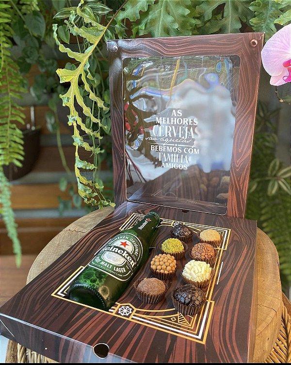 Caixa Garrafa e 8 doces - 1un - Rizzo Confeitaria