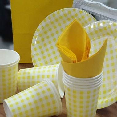 Prato Papel Biodegradável Festa Junina Amarelo - 10 un -  18 cm - Silver Festas
