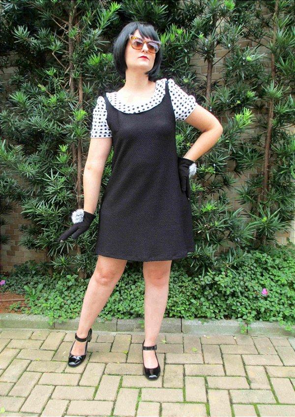 Vestido Boneca Linha A de Bolinha Preto e Branco Retrô Mod