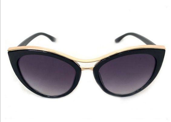 Óculos Escuros Gatinho Grande detalhe Dourado Vintage Retrô Pin Up