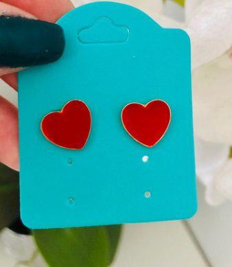 Brinco de Coração com Ouro Pin Up Retrô Antialérgico