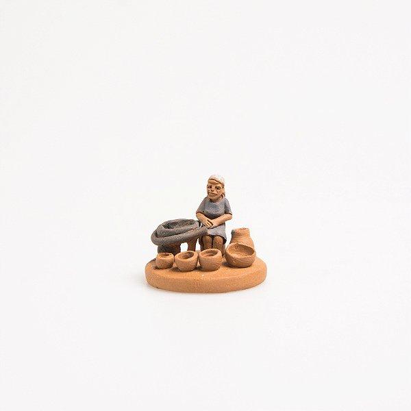 "Miniatura ""Vendedora de Panela 01"""