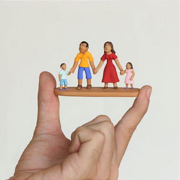 "Miniatura ""Família Feliz"""