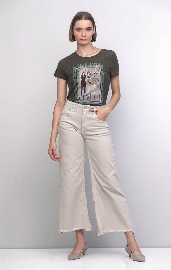 T-Shirt com Estampa Verde