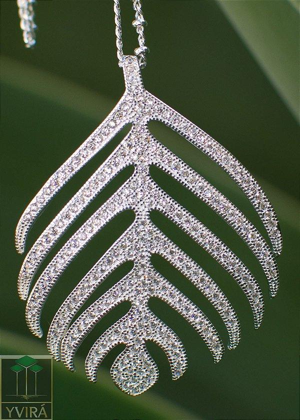 Pingente folha cravejadode em 2 opções em prata 925
