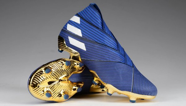 Chuteira Campo Adidas Nemeziz 19+ Azul e Dourada
