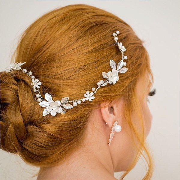 Fio de flores e pérolas para noiva