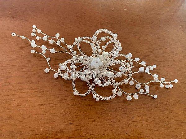 Acessório para cabelo de noiva semi preso banhado à prata