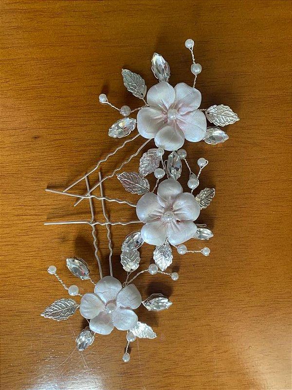 Trio de grampos para noiva com flores porcelana fria