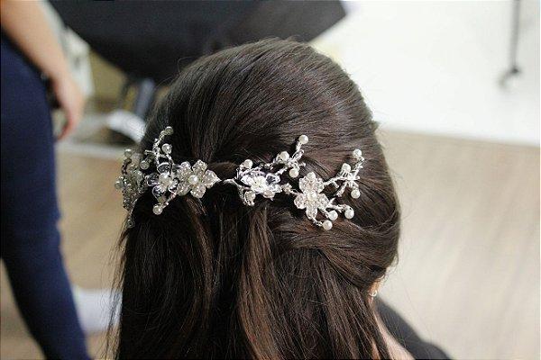 Grinalda para noiva ramos e flores banho de prata