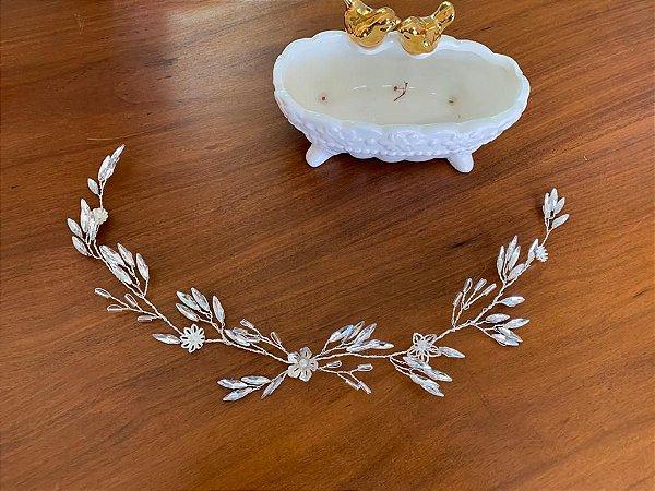 Grinalda em navetes de strass  banho de prata
