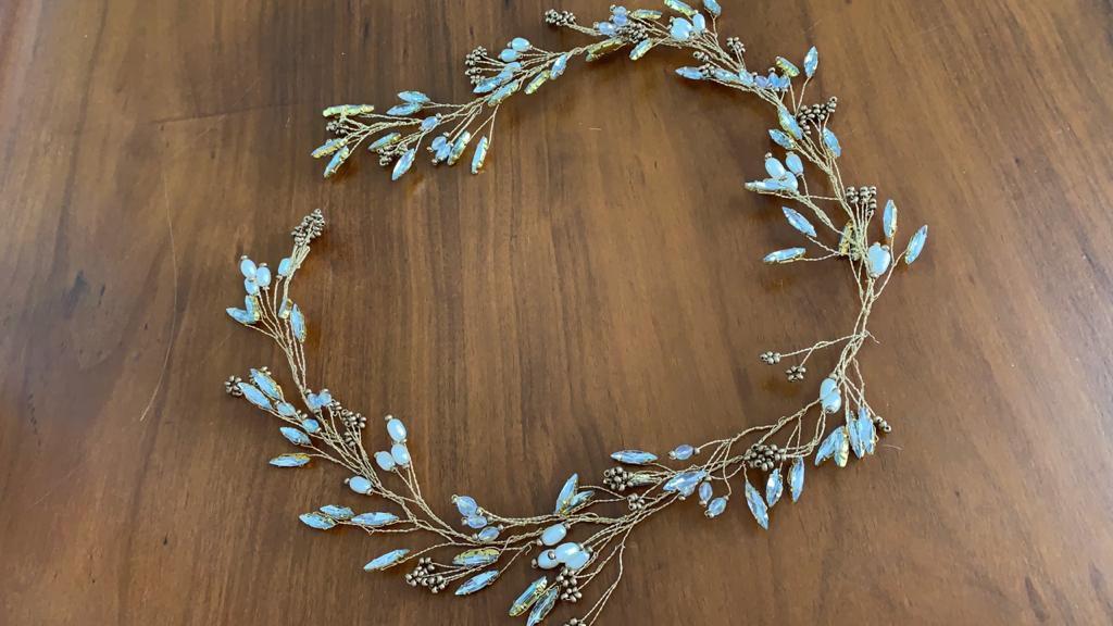 Tiara de noiva boho chic pérolas e cristais