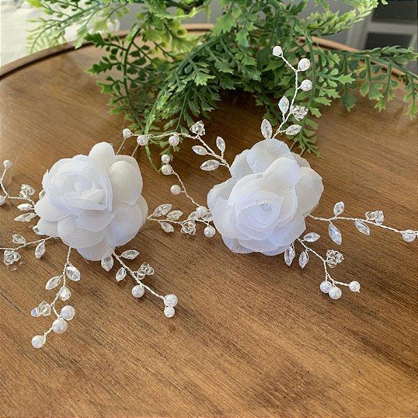 Terço para casamento cristais Aparecida e duo de flores brancas