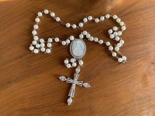 Terço Nossa Senhora Aparecida em madrepérola semi joia