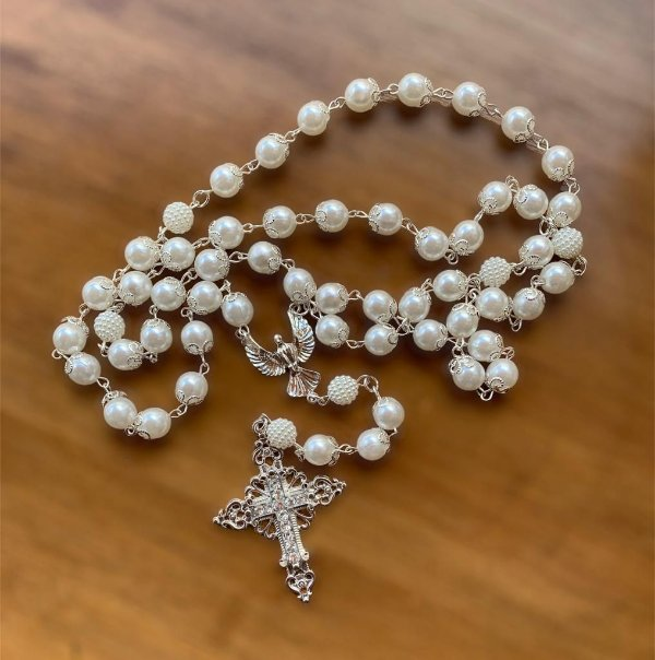 Terço Espírito santo pérolas para noiva