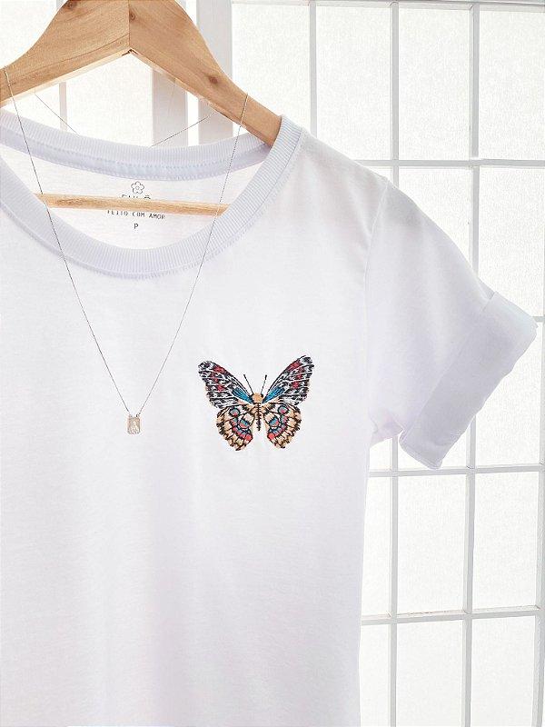 T-Shirt Borboleta Bordada