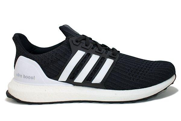 ba7ca63af3 Tênis Adidas Ultra Boost 4.0 Masculino - Preto e Branco - VibeSurf