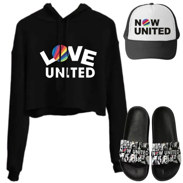 Cropped Preto Love United com Boné e Chinelo Now United