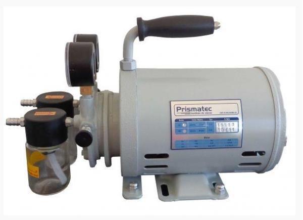 Bomba de vácuo tipo palheta lubrificada a óleo, 695 mm/Hg, 110/220V, mod.: 131 (Prismatec)