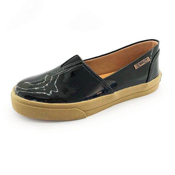 Tênis Slip On Quality Shoes Feminino 002 Verniz Preto Sola Caramelo