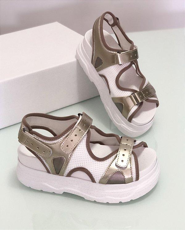 Sandália Flat Pyrgos branco glitter e dourado