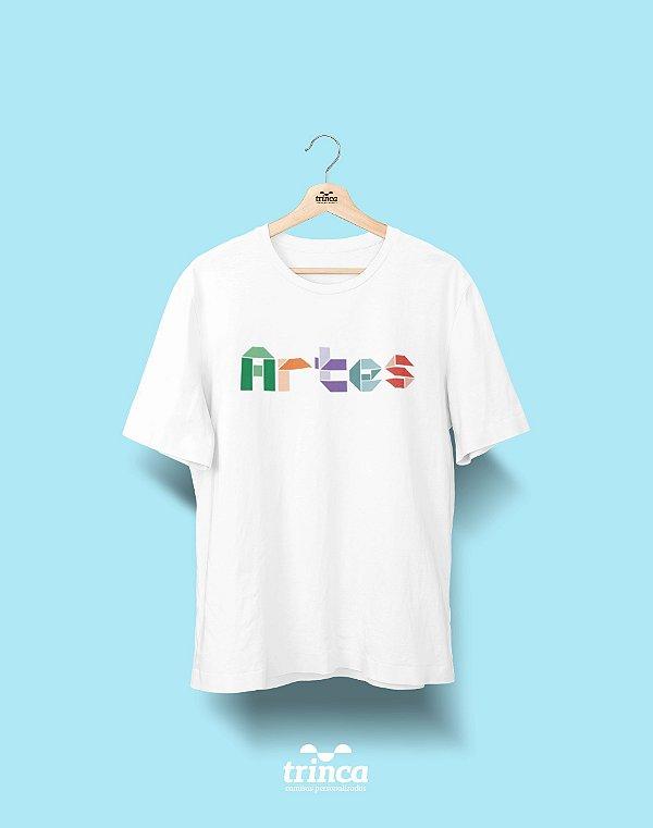 Camiseta Universitária - Artes - Origami - Basic