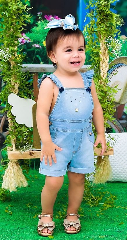 Jardineira Infantil Jeans Lacinhos Doces Momentos
