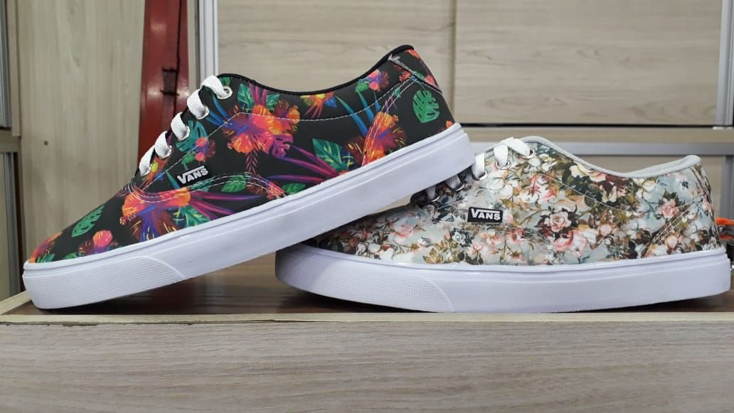 TÊNIS VANS AUTHENTIC RAINBOW FLORAL