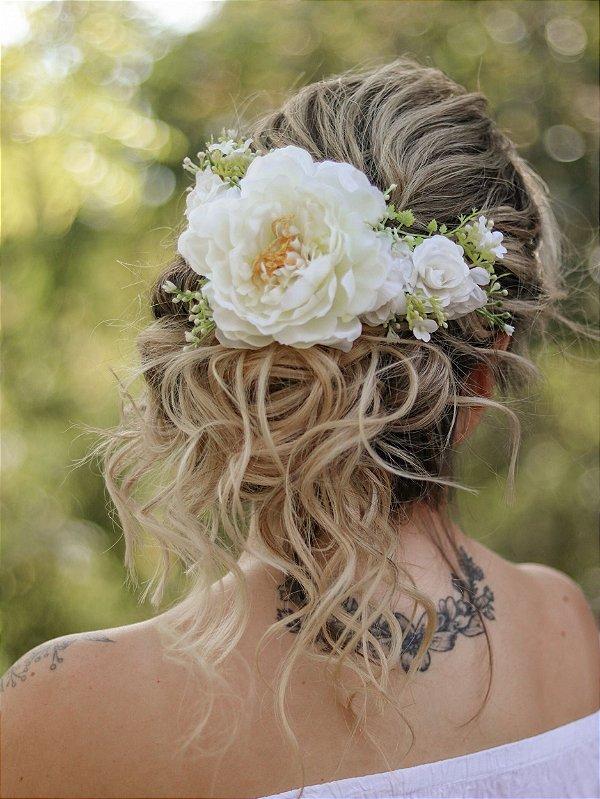 Arranjo de Cabelo Flores Amélia