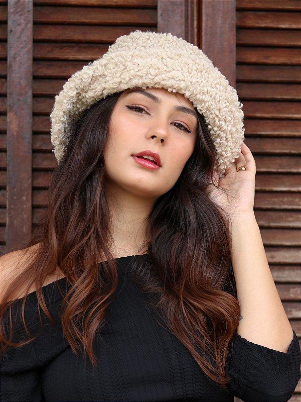 Bucket Hat Pelúcia Ovelha