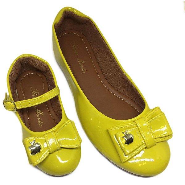 Sapatilha Verniz Amarelo Maçã Bico Redondo
