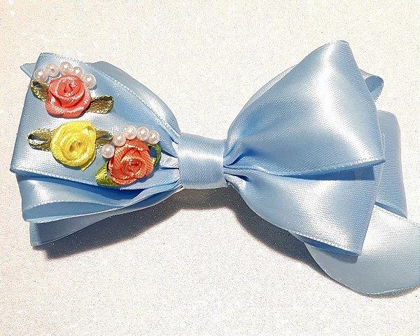 Laço Azul com Flores