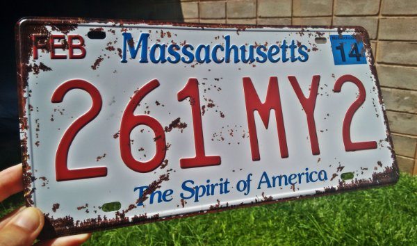 Placa Decorativa Massachusetts em Metal